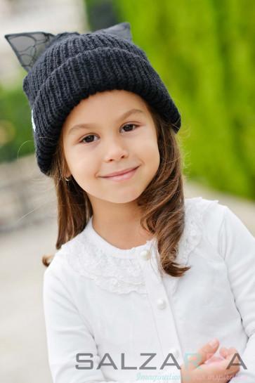 Детска шапка в черно - 2